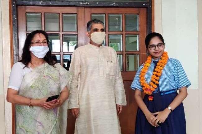 Lucknow girl Divyanshi Jain gets 100% marks